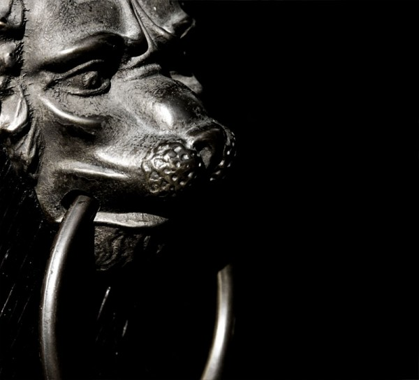 lion head knocker fade black B&W