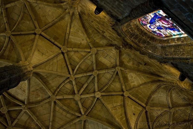 Jerónimos Monastery ceiling