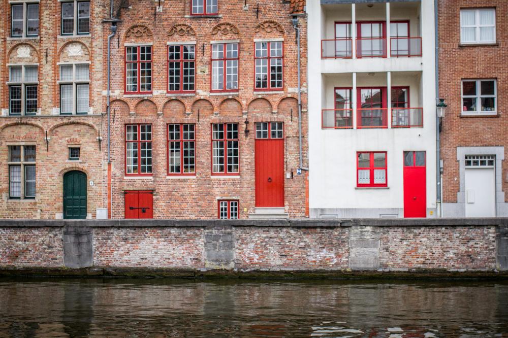 red door Bruges