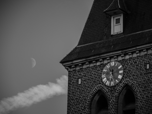 church clock moon b-w