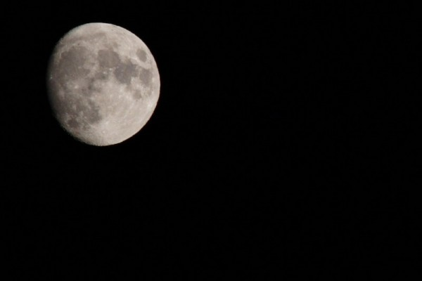 The moon above Vaucluse.