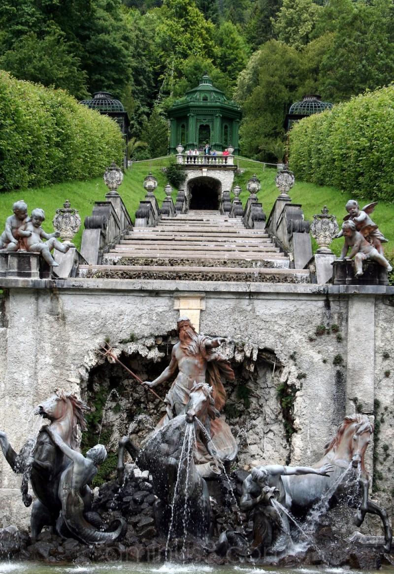 horse stone gardens statue palace fountain germany