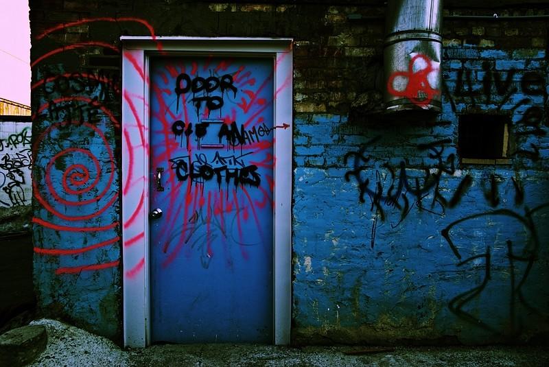 Door to clean clothes