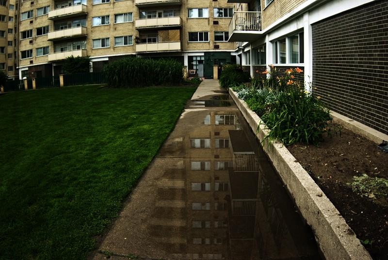 Rainy Courtyard