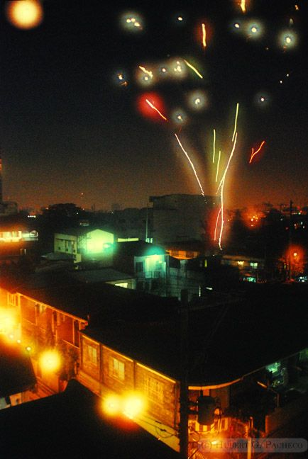 new year's day 2010 fireworks pasay sandejas stree
