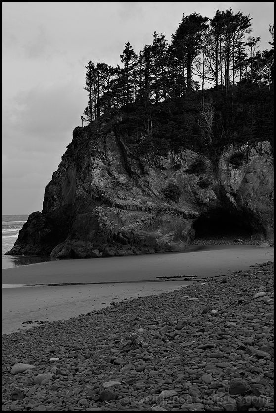 A small beach south of Tillammok Head.