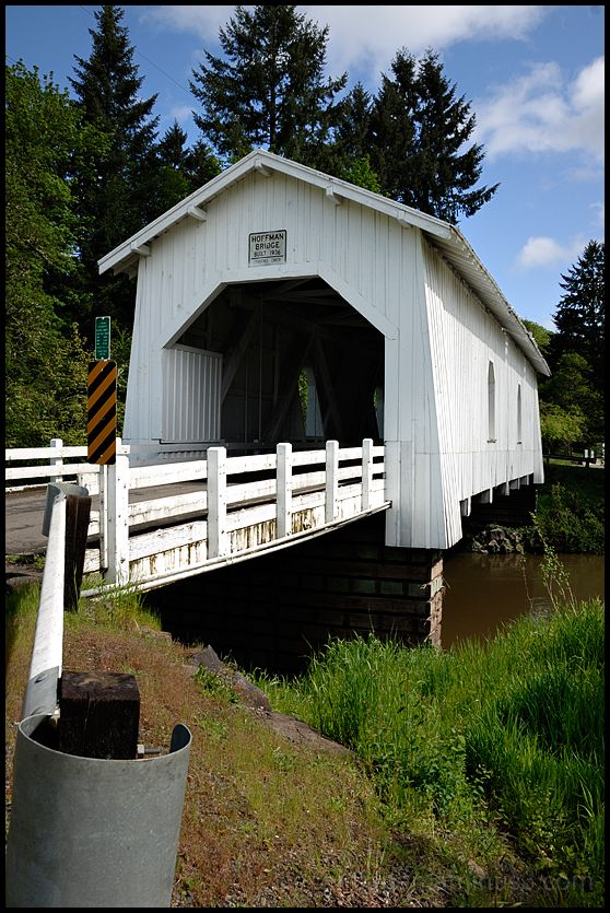 The Hoffman Covered Bridge in Oregon, USA.