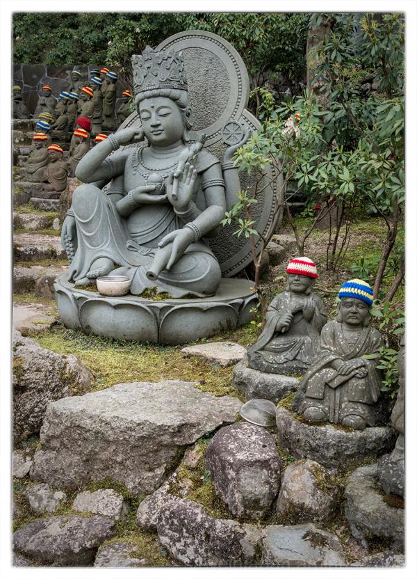 A serene figure at Daishoin.