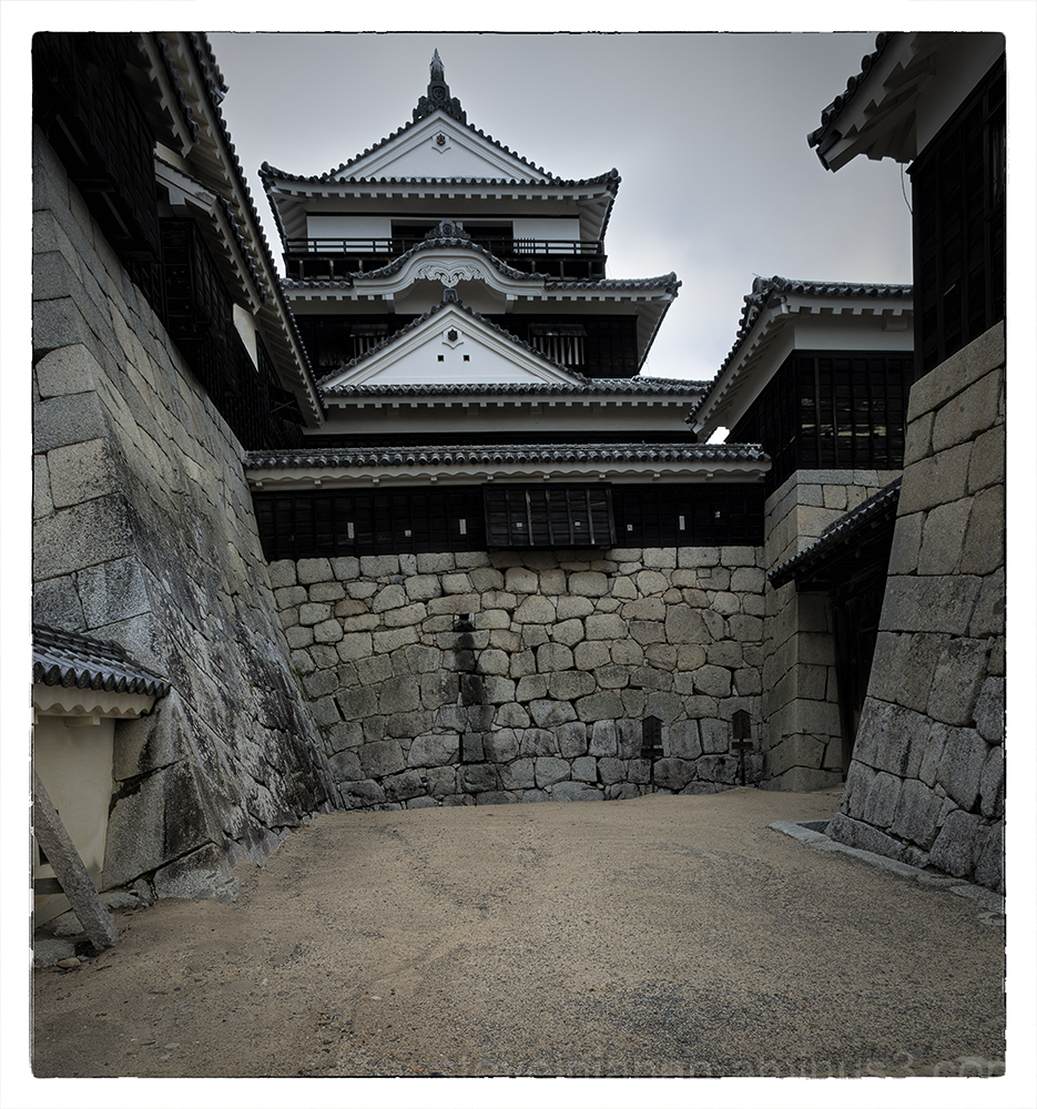 The main tower of Matsuyama Castle.