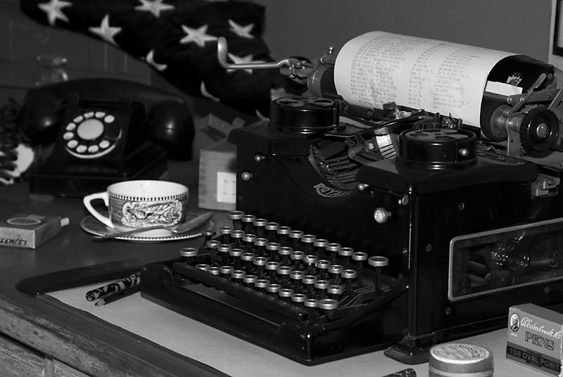 WWII lieutenants desk