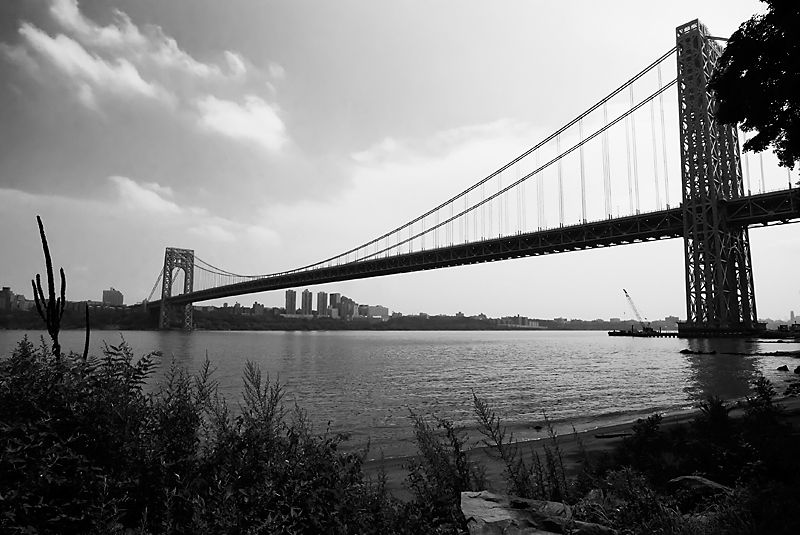 George Washington Bridge in Black and whitel