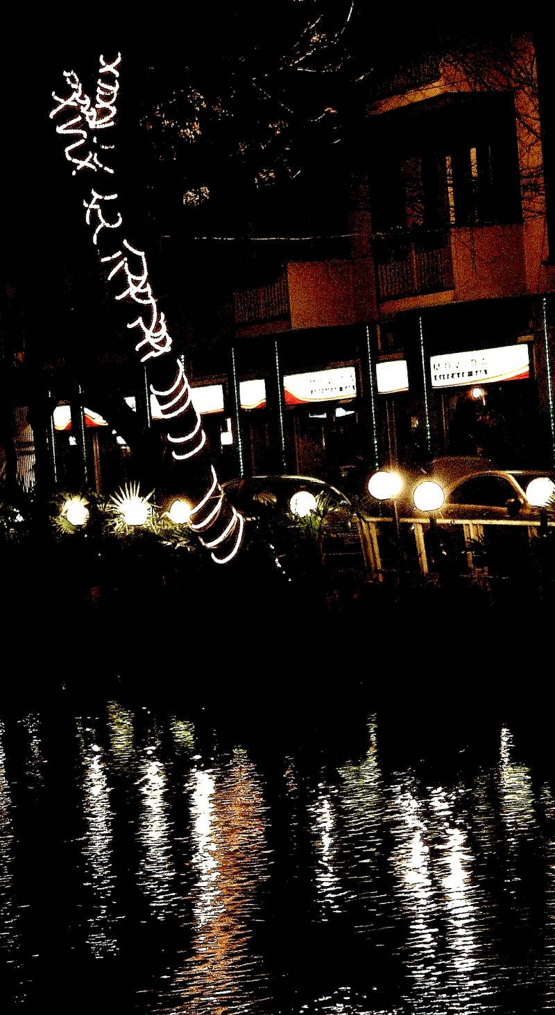 lights on Naviglio in Milano
