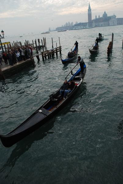 venice gondole carnival water