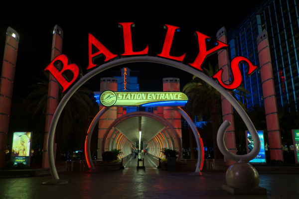 Ballys station entrance
