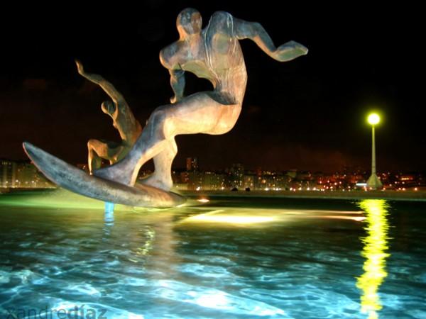 Fonte dos Surfistas da Coruña