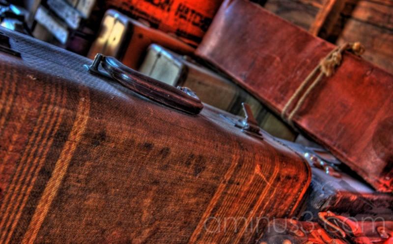 HDR, Austin Manitoba, luggage