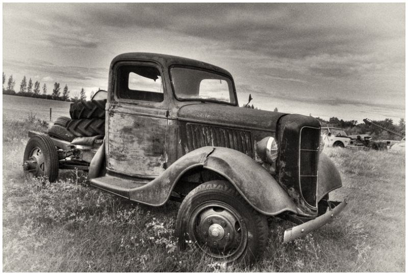 B&W truck antique Sukanen