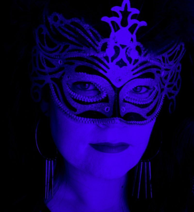 dawn sutherland mask blue