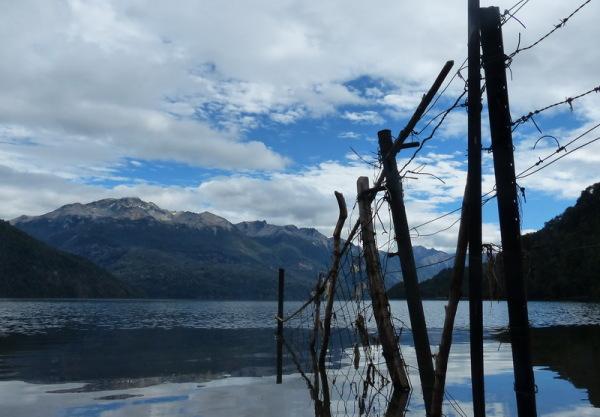 37 - chubut / lago rivadavia / alambrado