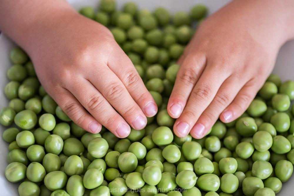 Peas Hand
