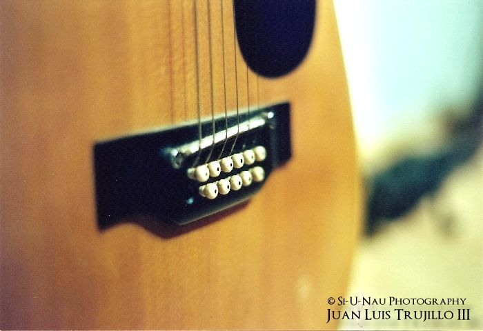 Play if you can... (Minolta SR-T 201)