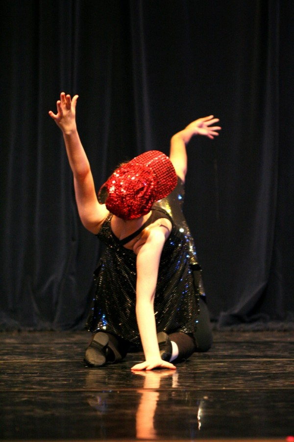 Two dancers look like one