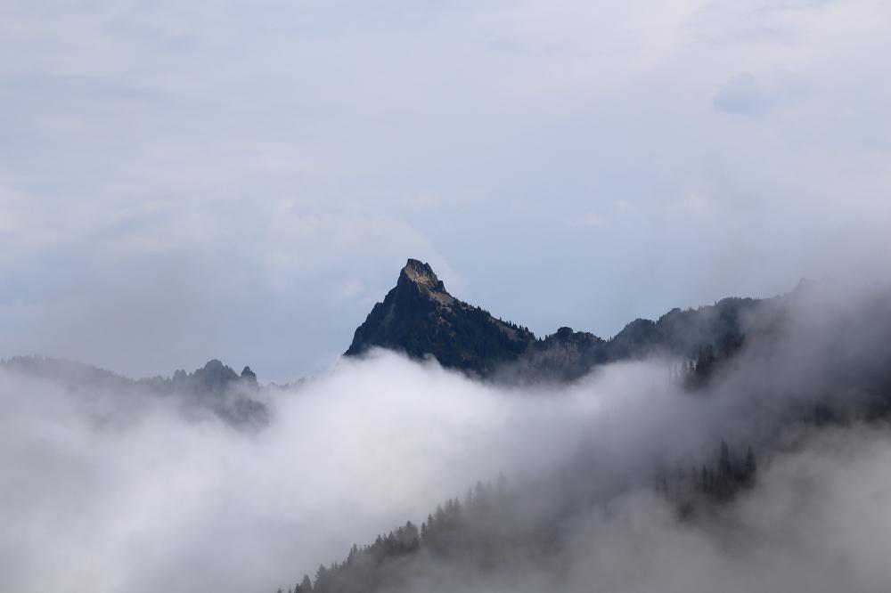 Mountain peak, Cascade Mountains, Washingtn
