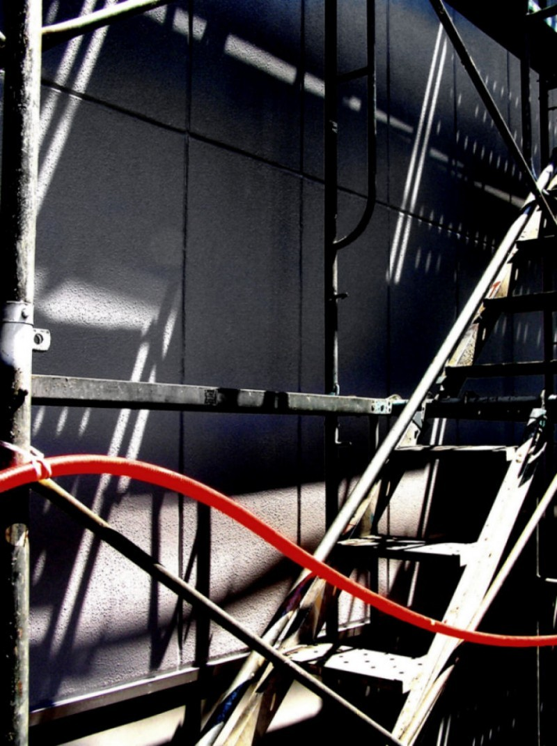 japan amagasaki building scaffolding shadow