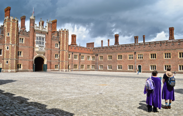 hampton-court palace england