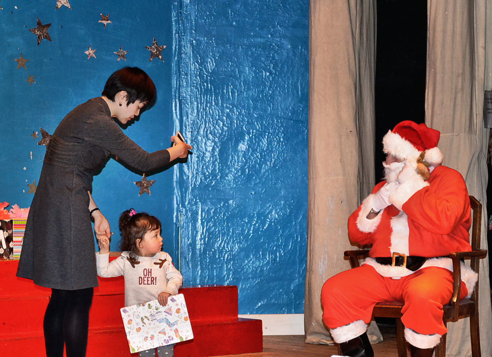 mia mayumi christmas santa