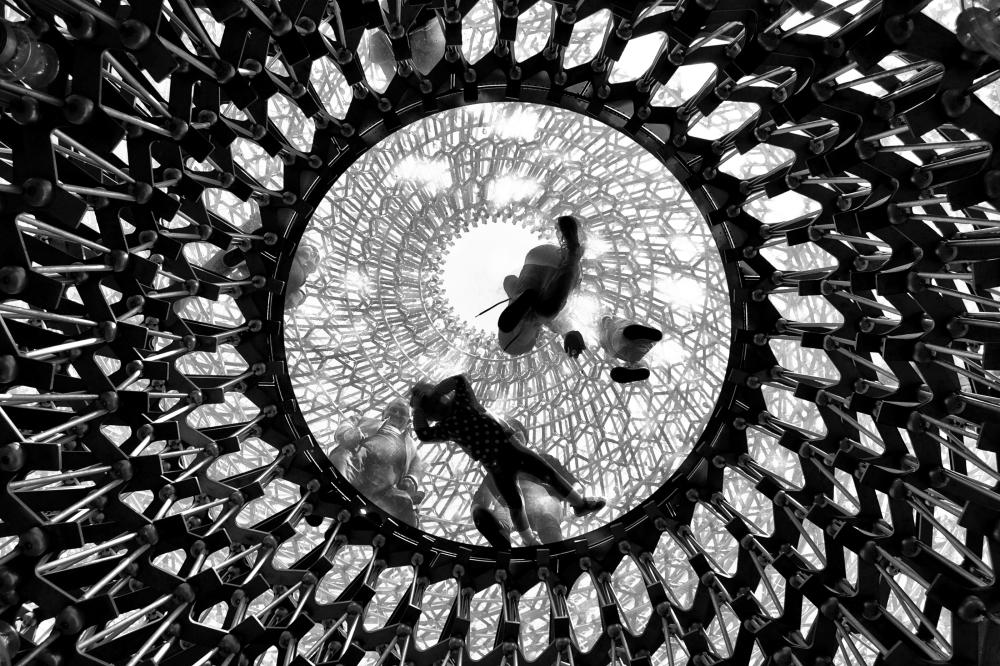 kew-gardens london england the-hive sculpture mia