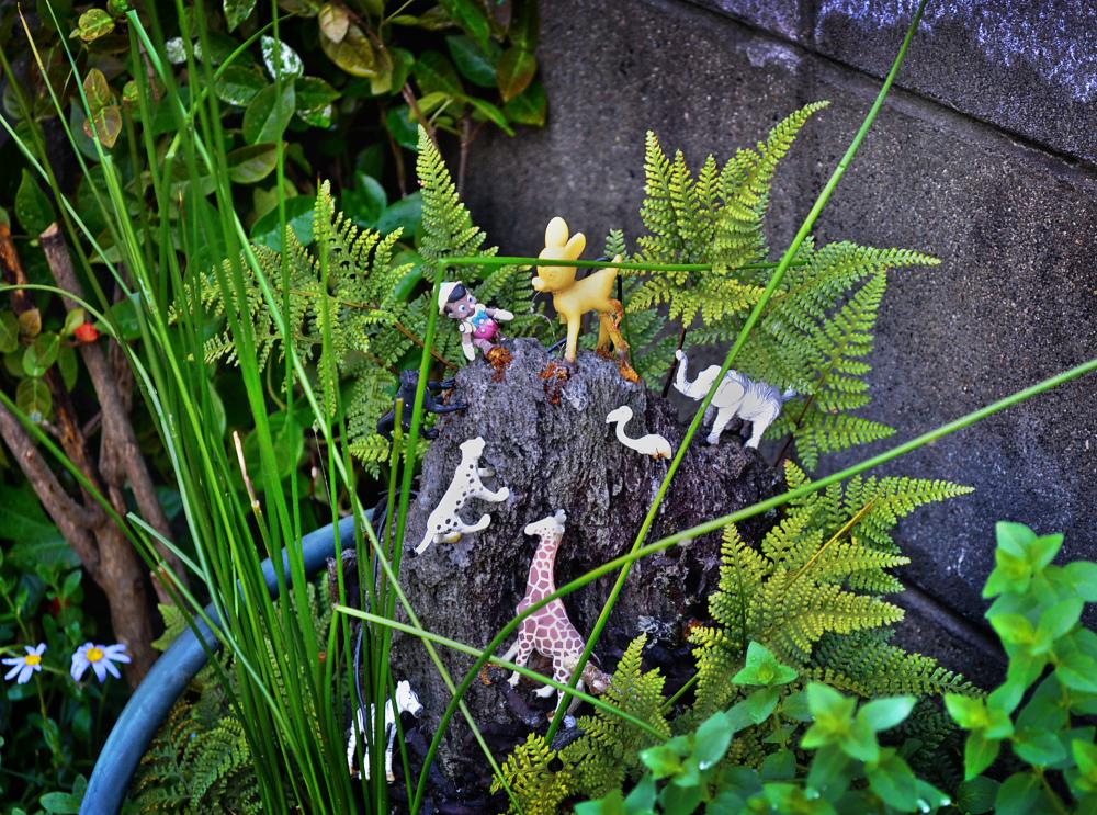 okayama omoto japan garden character
