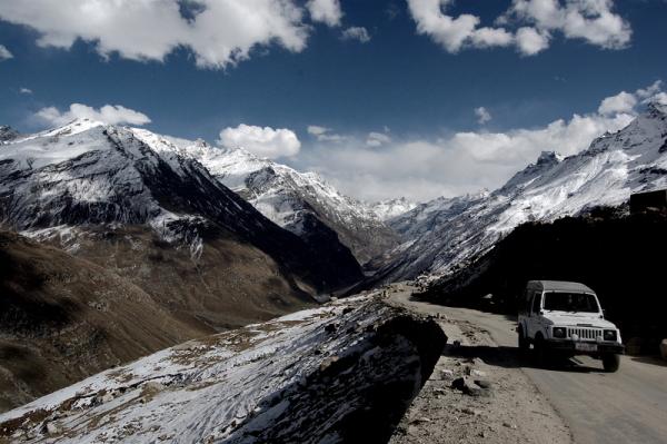 Rohtang roadscapes descending towards Gramphu!