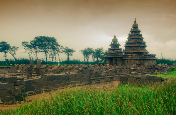 Shore Temple, on a rainy day!