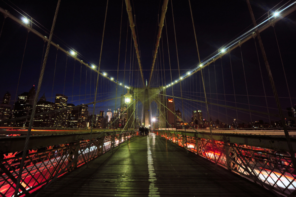 Evening walk at the Brooklyn bridge