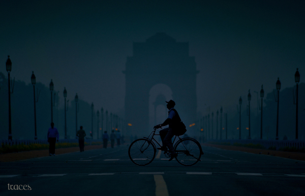 Morning life in front of India Gate