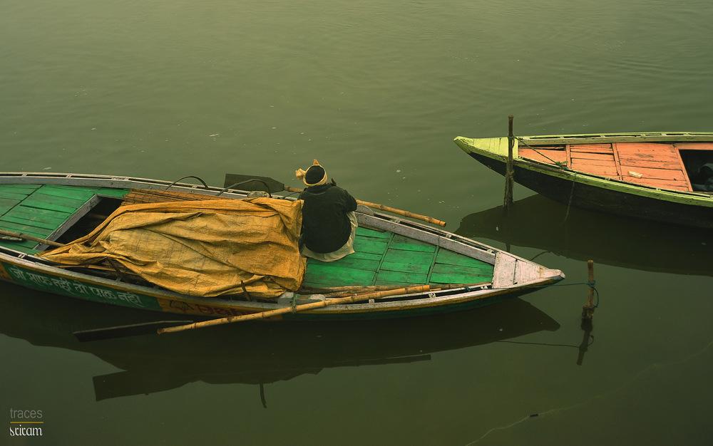 The boatman's wait