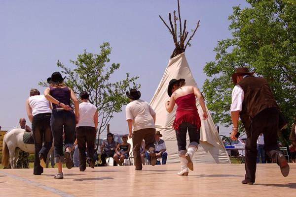 Festival de danse country à Gironville