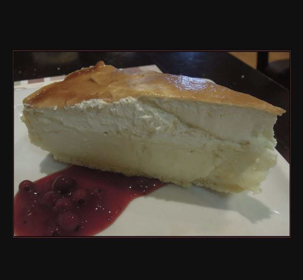 Lemon Mousse Cheesecake with Cranberry Sauce