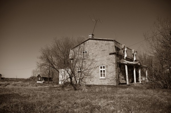 Abandonned house, from outside
