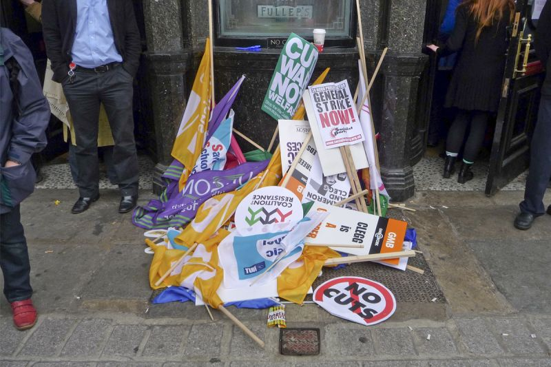 LEAVE YOUR PLACARDS OUTSIDE