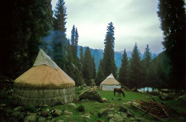 yurts in Tian Shan