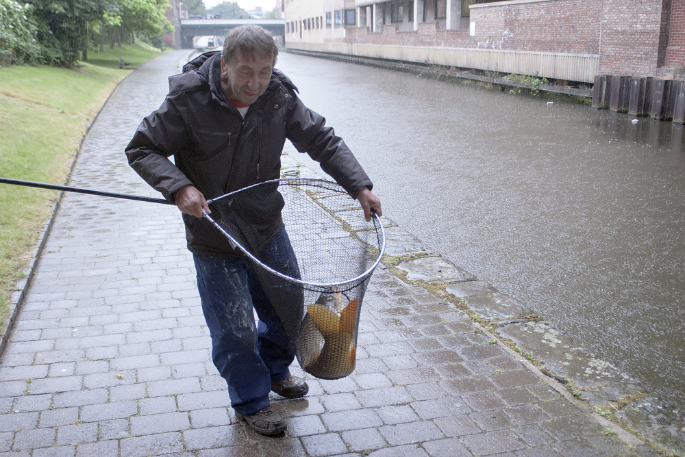 man fishing carp nottingham canal