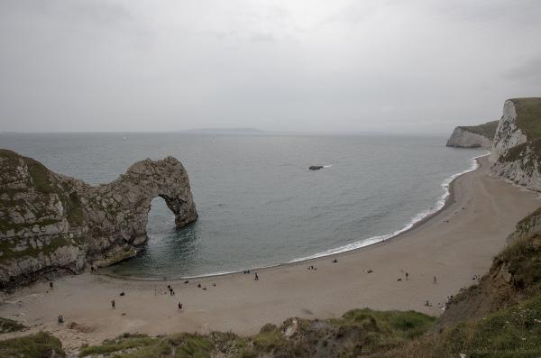durdle door dorset beach scene