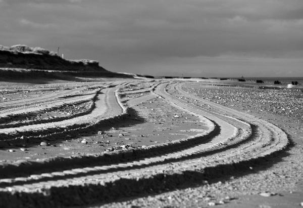 tracks beach norfolk sand seaside