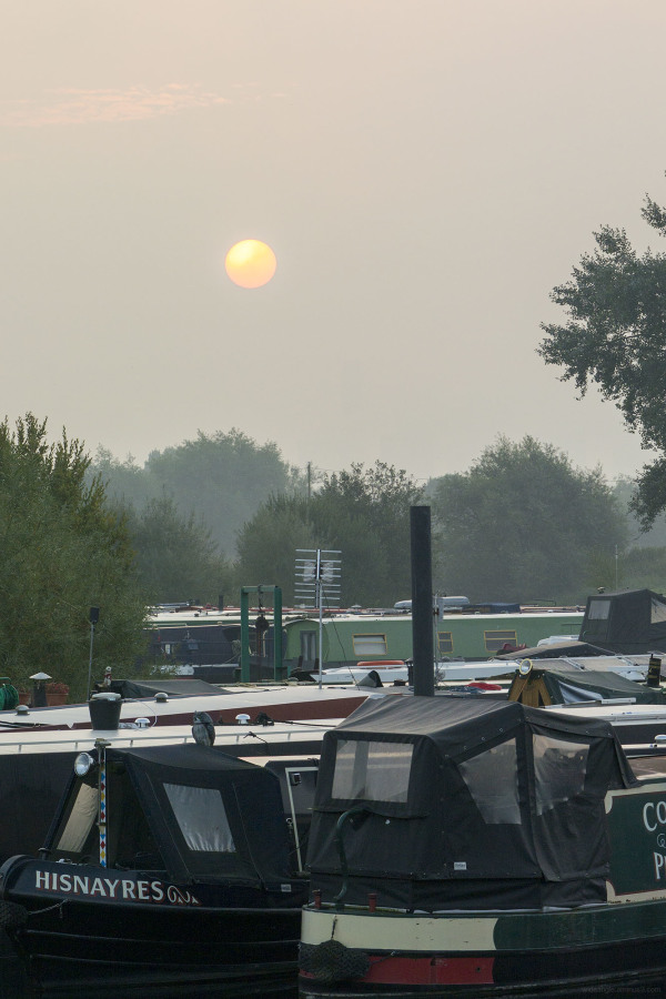 sunrise shardlow september narrowboats