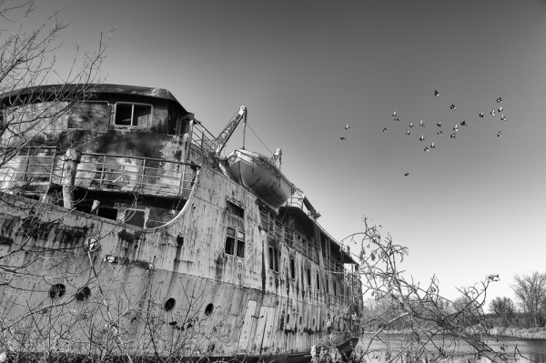 abandoned ship, ms lord selkirk, red river, manito