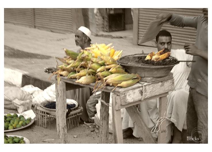 souk - marchand de maïs
