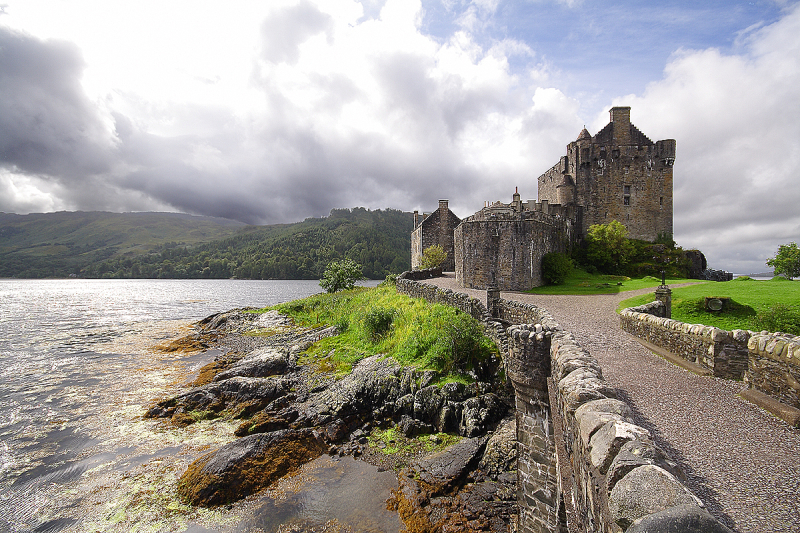 Scotland: Highlanders' Castle
