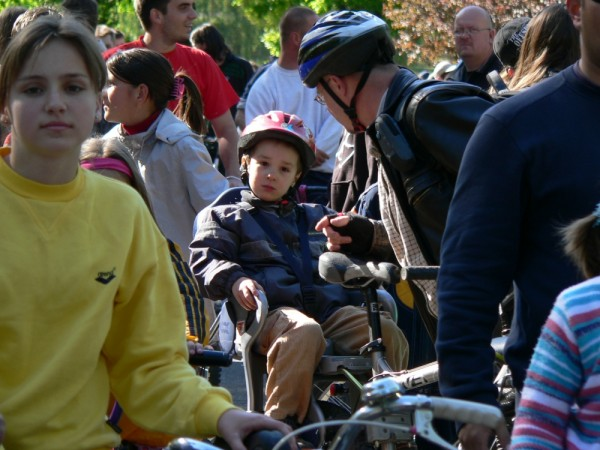 bike hungary 2007 mass april critical debrecen